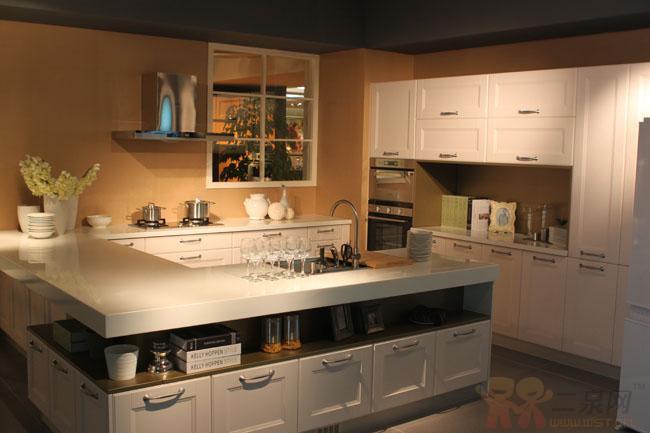 活力空间,嵌入式厨电,简洁吧台