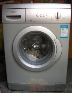 出售博西威滚筒洗衣机500元29寸创维纯平彩电300元